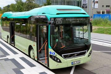 BBL Bus an der Bushaltestelle Kino Cité -